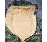 Демісезонна курточка для дівчинки зелена 3676